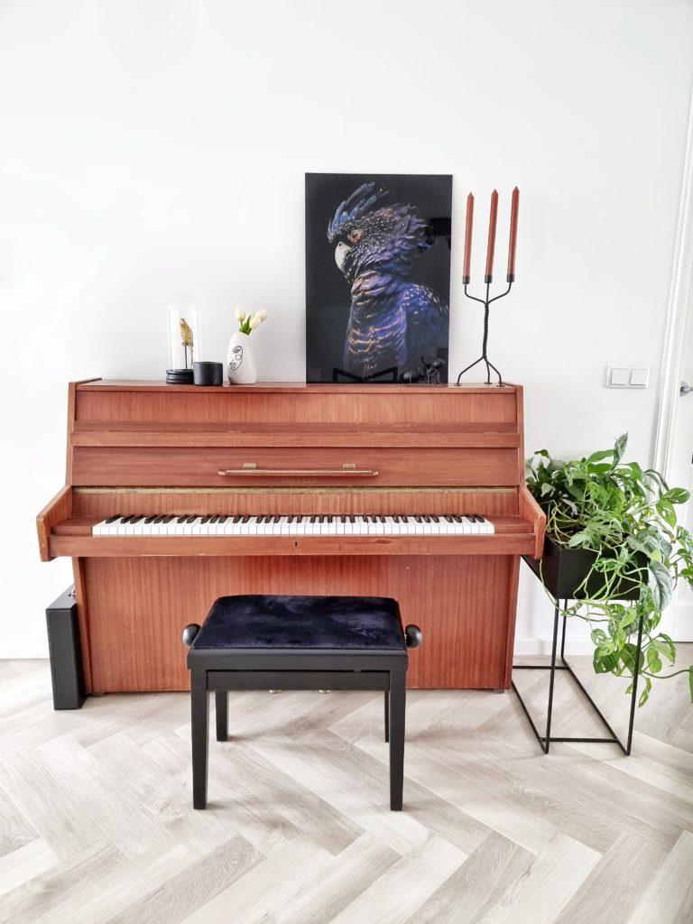 schilderij op piano